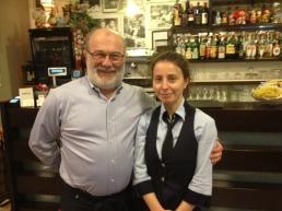 Хозяин Роберто и официантка Нона